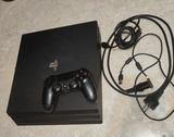 PlayStation 4 PRO 1 TB + 3 Juegazos - foto