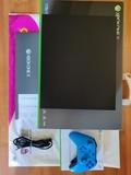 Xbox One X  1TB  +  Mando - foto