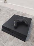 PS4 500 GB, DualShock 4 y cables - foto