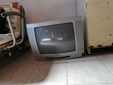 Se regala TV antigua - foto