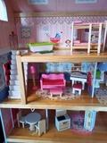 casa de muñecas con LEED incorporado.. - foto