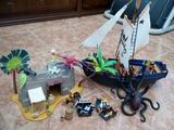barco pirata, isla y kraken - foto