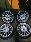 Llantas BMW 18 MotorSport con neumáticos - foto