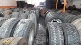 stock.neumaticos camion - foto