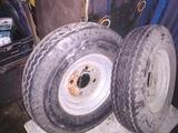 ruedas remolque - foto