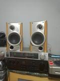 Amplificador y altavoces - foto