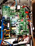 Instalador de máquinas y conductos - foto
