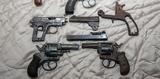 Compra de revólveres, pistolas... - foto