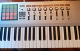 korg kontrol 49 teclado controlador - foto