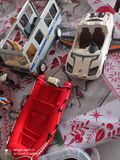 Figuras y vehiculos - foto
