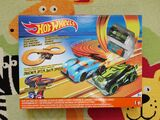 Circuito Hot Wheels escala 1:43 de 286cm - foto