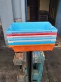 cajas de plastico - foto