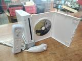 Consola wii con mando cables y juego - foto