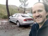 Conductor con coche cómodo - foto