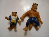 2 figuras de la bestia - foto