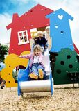 Parques infantiles públicos y privados - foto