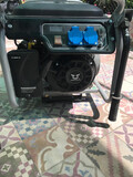 Generador de luz a gasolina - foto