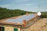 Placas solares, cobrar de Cia eléctrica - foto