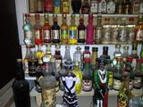 Gran colección de mini botellas antiguas - foto