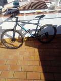 Bicicleta de montaña - foto