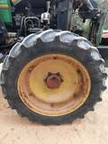 Ruedas de tractor estrechas - foto