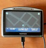 GPS TOMTOM GO! + FUNDA + CABLE DE CARGA - foto