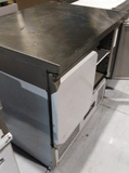 mesa refrigerada - foto