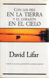 LIBRO CON LOS PIES EN LA TIERRA Y EL COR - foto