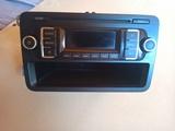 Radio Volkswagen RCD 210 + Manual de uso - foto