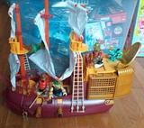mega barco pirata - foto