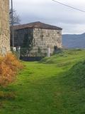 Casa antigua de piedra en ourense - foto