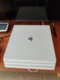 PS4 Pro 2TB - foto