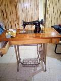 Máquina de coser Alfa vintage - foto