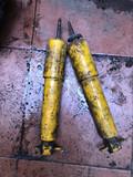 Amortiguadores delanteros de Montero 1 - foto