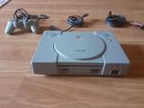 playstation 1 con mando. - foto