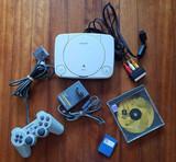 PlayStation PS One con juego - foto