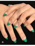 montaje de uñas en acrilico y gel - foto