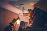 Electricista averias urgentes festivos. - foto