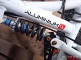 Bicicleta aluminio   - foto