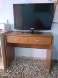 MESILLA CON TELEVISIÓN INCLUIDO - foto