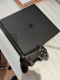 PlayStation 4 Slim - foto