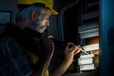 Electricista de guardia 24 Horas - foto