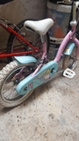 bicicleta de niña - foto