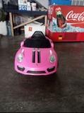 coche eléctrico rosa - foto