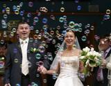 maquinas de burbujas en tu boda - foto