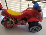 moto niño - foto