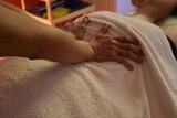 Masaje relajante - disfrute de mis manos - foto