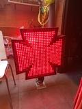 cruz de farmacia de neon - foto