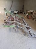 Binador y tubos de regar - foto