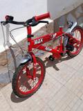 bicicleta de niño  - foto